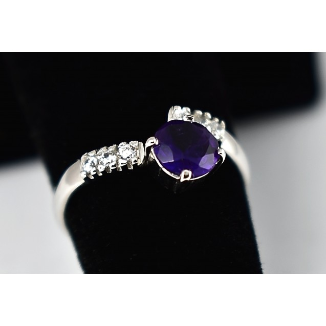 Amethyst Rhodium plated Sterling Silver ring